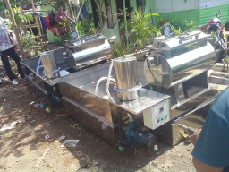 mesin vacuum prying